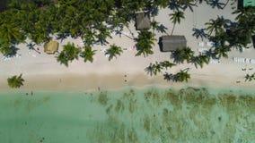 Spiaggia tropicale aerea Punta Cana, Repubblica dominicana dell'isola di vista superiore video d archivio