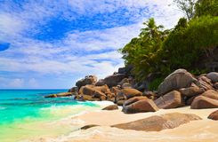 Spiaggia tropicale all'isola Praslin, Seychelles Fotografia Stock