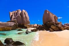 Spiaggia tropicale alle Seychelles Immagini Stock Libere da Diritti