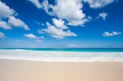 Spiaggia tropicale bella Fotografia Stock Libera da Diritti