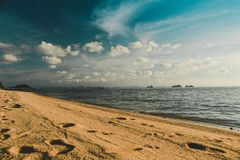 Spiaggia tropicale Bello fondo fotografia stock libera da diritti