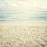 Spiaggia tropicale d'annata di estate Immagini Stock Libere da Diritti
