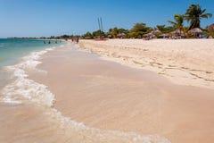 Spiaggia tropicale dell'ancona in Cuba Immagine Stock