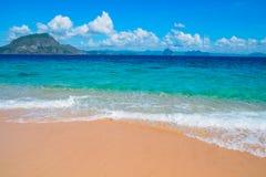 Spiaggia tropicale della sabbia Fotografie Stock