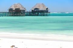 Spiaggia tropicale di Zanzibar ed isola marina della prigione - Oceano Indiano - l'Africa immagini stock libere da diritti