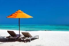 Spiaggia tropicale idilliaca alle Maldive Immagini Stock