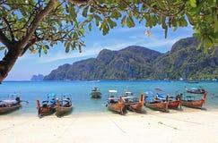 Spiaggia tropicale, isola di Phiphi, Tailandia Fotografia Stock