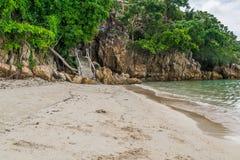 Spiaggia tropicale a Koh Phangan Thailand fotografia stock libera da diritti