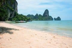 Spiaggia tropicale Krabi, Tailandia Immagini Stock