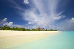Spiaggia tropicale nell'Oceano Indiano, fotografia stock libera da diritti