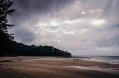 Spiaggia tropicale nella giornataccia Immagine Stock