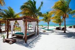 Spiaggia tropicale perfetta Fotografia Stock Libera da Diritti
