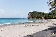 Spiaggia tropicale sull'isola della Dominica Fotografia Stock Libera da Diritti