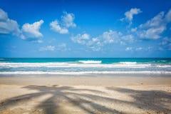 Spiaggia tropicale in Tailandia Fotografia Stock Libera da Diritti