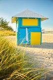 Spiaggia variopinta Shack Fotografia Stock