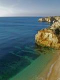 Spiaggia vicino a Carvoeiro, Algarve, Portogallo Fotografia Stock Libera da Diritti