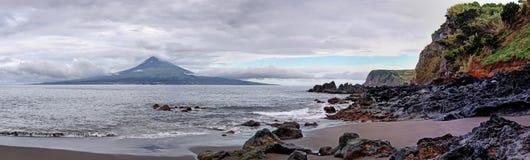 Spiaggia vicino a Pedro Miguel all'isola di Faial, Azzorre Immagine Stock