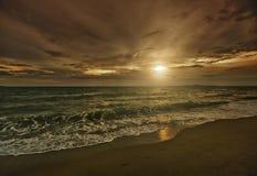 Spiaggia vulcanica dell'Hawai Immagini Stock Libere da Diritti