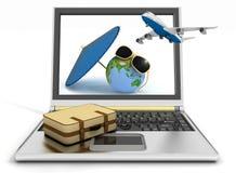 Spiani con la valigia, il globo e l'ombrello sul computer portatile Immagini Stock Libere da Diritti
