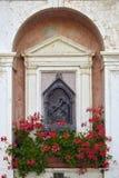 SPIAZZI, ITALIE - 15 août 2017 : une vue du sanctuaire de Madonna de la couronne, Vérone, Lombardie, Italie Photographie stock