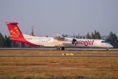 SpiceJet streepje-8 vliegtuig-Voorraad Beeld Royalty-vrije Stock Afbeeldingen