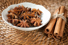 Spices: cinnamon and star anise Royalty Free Stock Photography
