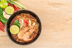 Spicy instant noodles soup with shrimp Stock Photography
