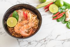 Spicy instant noodles soup with shrimp Royalty Free Stock Photography