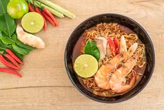 Spicy instant noodles soup with shrimp Royalty Free Stock Images