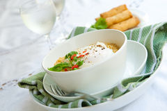SPicy oriental noodles with poached egg Royalty Free Stock Photos