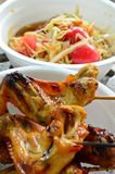 Spicy papaya salad & Grill Chicken Stock Photography