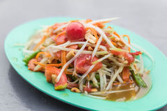 Spicy papaya salad. (som tum) - thai food Royalty Free Stock Photos