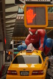 Spiderman met auto Royalty-vrije Stock Foto
