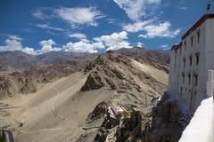 Spieczony krajobraz wokoło Thiksay monasteru, Ladakh, Północny Ind obraz stock