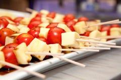 Spiedi del formaggio e del pomodoro Immagini Stock Libere da Diritti