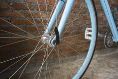 Spiedi neri della bici immagini stock