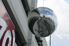 Spiegel-Baseball bei Washington Nationals Park im Washington N Lizenzfreie Stockfotografie