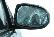 Spiegel die door ijs wordt behandeld Stock Afbeeldingen