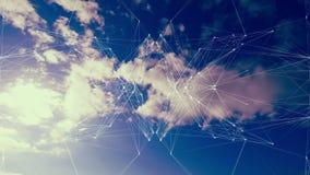 Spiegelbildmuster, das über bewölkten Himmel sich bewegt lizenzfreie abbildung