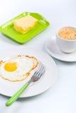 Spiegeleifrühstück lizenzfreie stockbilder