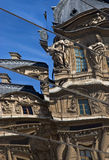 Spiegelreflexionen am Louvre Lizenzfreie Stockfotografie