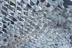 Spiegelskulptur in der Diamantform Stockfotografie