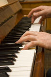 Spiel auf dem Klavier Stockbild