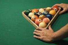 Spiel des Pools (Billiard) lizenzfreies stockbild
