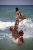 Spiel im Meer Stockbild