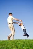 Spiel mit Vater Stockfoto