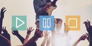 Spiel-Pausen-Endmultimedia-Unterhaltungs-Bedienkonzept Stockfotografie