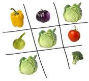 Spiel von tris mit Gemüse stockfotografie