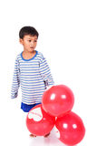 Spielballon des kleinen Jungen Lizenzfreie Stockfotos