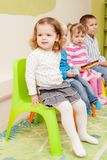 Spiele im Kindergarten lizenzfreies stockbild